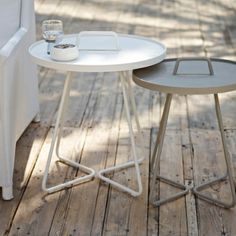 The successful launch of the ON-THE-MOVE side table created a new demand from our customers to bring another size & colour. on the move side table Metal Outdoor Side Table, Modern Sofa Table, Normal House, New Bedroom Design, Danish Design, Outdoor Furniture, Outdoor Decor, Bauhaus, Designer