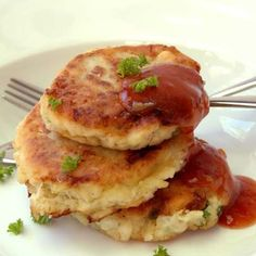 Make these simple Hake Fish Cakes for dinner – kids will love them Ingredients cup ml) milk 1 kg hake (stock fish) filleted and defrosted if frozen Ina […] Recipe For Hake Fish, Hake Recipe Healthy, Fish Cakes Recipe, Hake Recipes, Easy Fish Recipes, Seafood Recipes, Easy Meals, Cooking Recipes, Quiche Recipes
