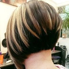 Stacked bob, graduated bob– whatever you call it, this haircut is totally hip and stylish. The layered back instantly adds tons of flirty volume to the mane, making it a great idea for girls with thin hair or fine hair that need some extra 'oomph'; but don't let that discourage you if you have thick …
