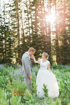 AK Studio Design | Kira Lynn Wagner | Utah Wedding Photographer | Utah Bridal Photography | Magical Bridal Session | White and Green Floral | Allyse's Bridal | SimplyMindyK Makeup | Utah Mountain Bridal Photography | First Look | Stephanie + Branson Bridals | Salt Lake City Utah Bridal Photography | AKStudioDesign.com