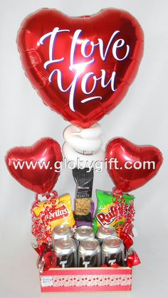 Arreglo con globos de amor y aniversario para hombre con cerveza y botana Valentines Day Baskets, Birthday Candles, Birthday Cake, Concept Art Gallery, Balloon Gift, Gift Baskets, Balloons, Ideas Para, Gifts