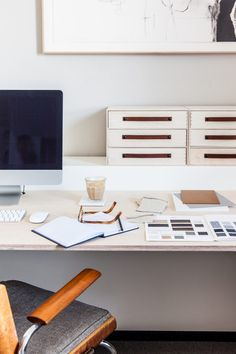 Modern office space Avenue Studio Tour: before & after Detox Your Home, Loft Studio, Avenue Design, Wooden Staircases, Apartment Goals, Office Interior Design, Furniture Styles, Contemporary Interior, Interior Inspiration