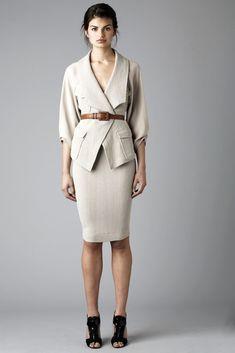 Rachel Roy Pre-Fall 2010 Collection Photos - Vogue