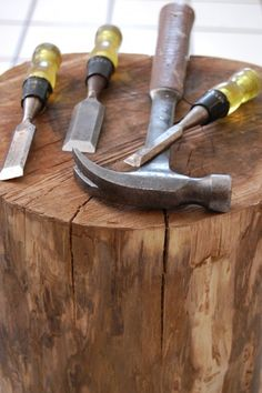 Stumped How to Make a Tree Stump Table stump chisels Tree Stump Furniture, Tree Stump Table, Tree Table, Log Furniture, Repurposed Furniture, Tree Stumps, Log Projects, Wood Stumps, Driftwood Table