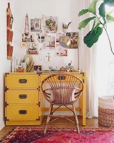 23 Bohemian Room Decor Ideas – Home Dekor Retro Home Decor, Diy Home Decor, Bohemian Room Decor, Bohemian Interior, Bohemian Office, Bohemian Apartment, Bohemian Studio, Yellow Desk, Yellow Office