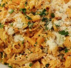 Molho Pesto em Pasta - http://www.receitasja.com/molho-pesto-em-pasta/