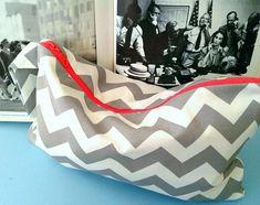 chevron grey white beach mini bag with coral neon zipper Wet Bag, Fashion Fabric, Mini Bag, Grey And White, Bean Bag Chair, Chevron, Etsy Seller, Coral, Neon