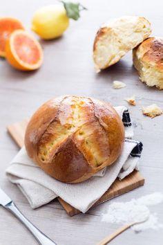 Pinza triestina: a Trieste è tradizione iniziare il giorno di Pasqua con una fetta di soffice brioche da accompagnare al dolce o al salato! [Italian brioche for Easter]