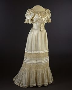 Evening Dress   c.1905-1906   -   Nasjonalmuseet For Kunst, Arketektur og Design