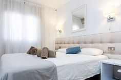 Du Soleil Apart Sitges Situated in the Sitges Town-Centre district in Sitges, this air-conditioned apartment is 200 metres from Sitges Convention Bureau. The apartment is 1.6 km from Sitges-Aiguadol? Marina. Free WiFi is available .