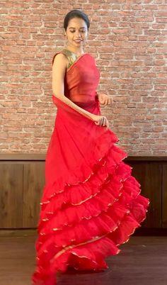 Dress Neck Designs, Stylish Dress Designs, Designs For Dresses, Saree Blouse Designs, Lehenga Choli Designs, Beautiful Dress Designs, Salwar Designs, Party Wear Indian Dresses, Designer Party Wear Dresses
