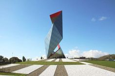 daniel libeskind clads faceted sculpture with casalgrande padana's porcelain stoneware tiles Monumental Architecture, Chinese Architecture, Modern Architecture House, Futuristic Architecture, Modern Houses, Building Architecture, Architecture Design, Daniel Libeskind, Crown Pictures