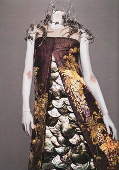 """hante:    from Savage Beauty, """"Voss"""" Alexander McQueen Spring/Summer 2001"""