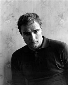 Marlon Brando (from Reporters sans frontières — 100 photos de Sam Shaw pour la liberté de la presse)