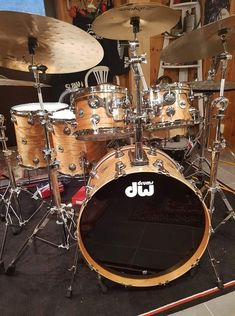 DW Drums Drums Wallpaper, Rhythm Method, Drums Artwork, Best Drums, Drum Solo, Snare Drum, Music Images, Band Photos, Drum Kits