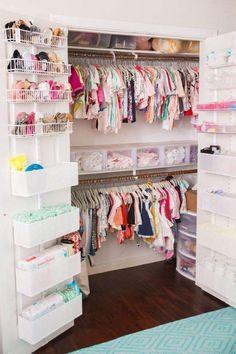 Keep your baby's nursery organized with these 11 clever and stylish nursery organization ideas. Related posts:disney baby nursery ideasDecorate your baby girl's nursery beautifully with these light colors: blush. Baby Bedroom, Baby Room Decor, Nursery Room, Girl Nursery, Girls Bedroom, Room Baby, Trendy Bedroom, Nursery Themes, Baby Girl Nusery