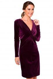 4c1eb62ede1e Vestido de terciopelo elástico color burdeos de escote en pico y ...