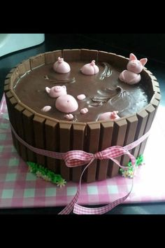 Pig butts for Zoe on a chocolate cake