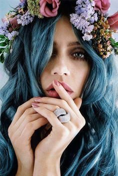 blue hair hair inspiration love the side pony long hair! Corte Y Color, Floral Headpiece, Flower Headdress, Pastel Hair, Teal Hair, Turquoise Hair, Violet Hair, Pastel Goth, Lilac Hair