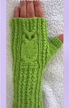 p/stulpen-stricken-eule-drauf-armstulpen - The world's most private search engine Lace Knitting Patterns, Arm Knitting, Knitting Socks, Knitted Owl, Knitted Gloves, Fingerless Gloves, Owl Patterns, Knitting Accessories, Hand Warmers