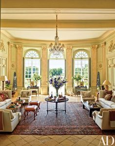 The American interior designer buys a neoclassical Loire Valley chateau and transforms it into an exquistely aristocratic, exceptionally livable home away from home. American Interior, French Interior, French Decor, French Chateau Decor, Architectural Digest, Loire Valley, Interior Decorating, Interior Design, Decorating Blogs