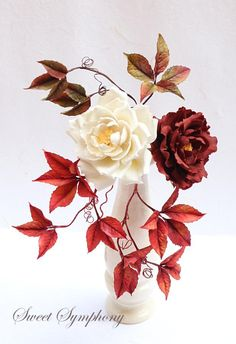 Open Roses and Autumn leaves !  - Cake by Sweet Symphony
