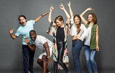 El cast de Wynonna Earp, como locos en San Diego - www.deborarte.com.ar