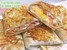 flautas de jamón y queso Corn Dogs, Bechamel, Canapes, Tapas, Coffee Break, Deli, Food Hacks, Sandwiches, Good Food