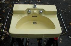 New bath room sink backsplash towel racks ideas Bathroom Sinks For Sale, Vintage Bathroom Sinks, Old Sink, Wall Mounted Sink, Small Showers, Rustic Mirrors, Rustic Curtains, Best Bath, Diy Mirror