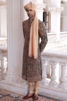 pakistani groom outfits for men ; pakistani groom outfits sherwani for men Sherwani For Men Wedding, Wedding Dresses Men Indian, Sherwani Groom, Wedding Dress Men, Wedding Suits, Punjabi Wedding, Indian Weddings, Wedding Couples, Moda Masculina