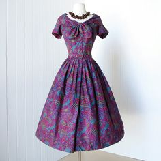vintage 1950's dress ...fabulous BERNIE SOBEL california cotton floral novelty print full skirt shirtwaist dress