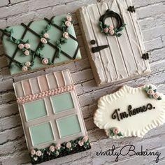 LOVE the trellis and window box! EmilyBaking {124149EA-D0B3-4CF8-8907-ED5EB245C2EF:01}