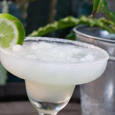 Margarita con su sal y limón #repost @restaurantelamatriarca  #blogpost#cocktails#instablog#bloginstagram#blogpost#restaurante