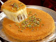 Knafeh is a delightful sweet melted cheese dessert that is popular in the Middle East, Discover how to make delicious knafeh at home with these recipes Sweets Recipes, Wine Recipes, Indian Food Recipes, Chocolate Pudding Cake, Chocolate Desserts, Lebanese Desserts, Lebanese Recipes, Middle Eastern Sweets, Palestinian Food