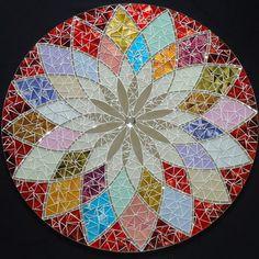 Mosaic Diy, Mosaic Crafts, Mosaic Projects, Stained Glass Projects, Mosaic Glass, Mosaic Tiles, Glass Art, Glass Painting Patterns, Plaster Sculpture
