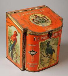 Vintage Oil Cans, Vintage Metal, Metal Containers, Vintage Graphic Design, Tin Boxes, Art Nouveau, Antique Items, Vintage Advertisements, Metal Tins