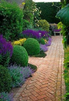 laventelia ja puksipuuta sekä kaunis ladontakuvio!