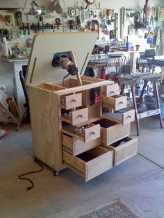 Router Table | 3rdRevolution