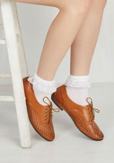 Just You and Eyelet Socks in White. Just like you and your bestie, these white bobby socks are quite the stylish pair! Ankle High Socks, Lace Boot Socks, Ankle Highs, Frilly Socks, Sheer Socks, Rock N Roll Fancy Dress, Harry Potter Socks, Bobby Socks, Women Oxford Shoes