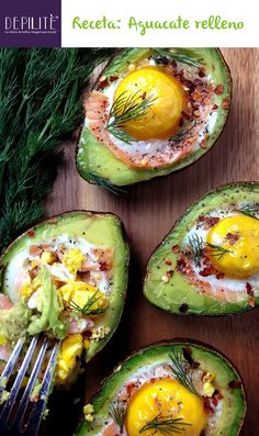 Smoked Salmon Egg Stuffed Avocados & so many other amazing stuffed avocado recipes Avocado Recipes, Healthy Recipes, Avocado Ideas, Healthy Breakfasts, Skinny Recipes, Diet Recipes, Salmon Eggs, Avocado Egg, Baked Avocado