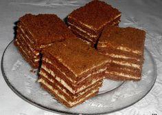 Csokis Marlenka (kommenteket is nézni kell! Hungarian Cookies, Hungarian Desserts, Cookie Recipes, Dessert Recipes, Sweet Recipes, Sweet Tooth, Good Food, Food And Drink, Favorite Recipes