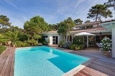 Villa d'architecte en bois Lege Cap Ferret Secteur Le Canon avec piscine chauffée