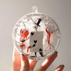 Enfeites de Natal inspirados em Alice no País das Maravilhas