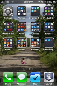 How to Organize iPhone Apps into Folders – iOS 6.0.1