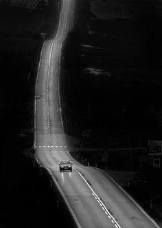 http://www.agendavisual.es/miro-simko-solitariness-fotografia-en-blanco-y-negro/                                                                                                                                                      Más