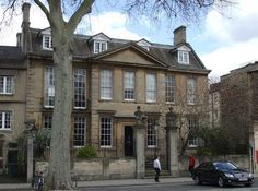 St Giles' House was built in 1702 for Thomas Rowney (MP for Oxford, and in 1691 High Sheriff of Oxfordshire). Description from oxford history.