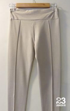 Pantalón Legging crudo de #23CB en Lagasca 83