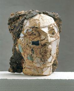 Gertraud Möhwald Ceramic Figures, Ceramic Artists, Charcoal Picture, Sculpture Head, Art Sculptures, Face Outline, Wow Art, Land Art, Stone Art