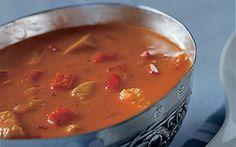 Tomatsuppe med kalkun Lækker, fyldig tomatsuppe der er god hele året rundt og er færdigtilberedt på kun 30 minutter.