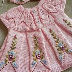 How To Make A Pink Color Knitted Baby Dress Model With Leaf Rob – Babykleidung Baby Knitting Patterns, Baby Dress Patterns, Knitting For Kids, Crochet For Kids, Knitting Designs, Crochet Baby, Knit Crochet, Beginner Knitting, Girls Knitted Dress